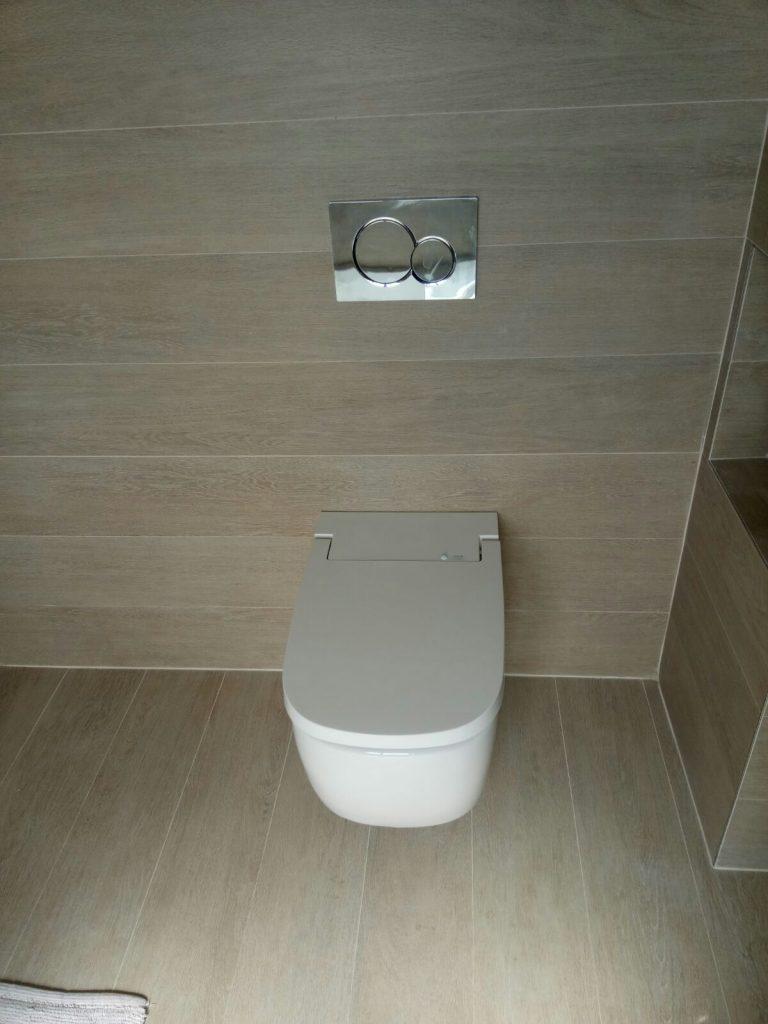 Vitra_V-Care_Comfort_douchewc_foto_installatie (4)
